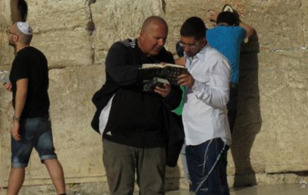 Shem is fascinated by the Kaduri revelation
